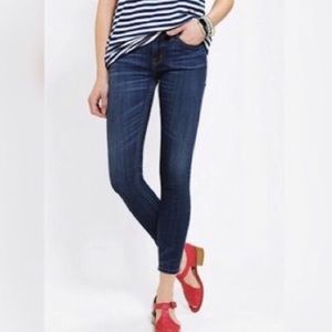 BDG Mid Rise Twig Ankle Jeans 26